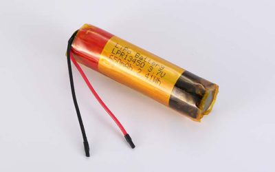 Cylindrical LiPo Battery LPC13450 3.7V 650mAh 2.41Wh without protection circuit, with wires 40mm